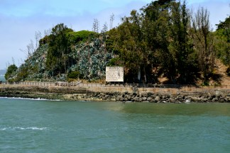 Front of Alcatraz...note the warning sign! #Freaky