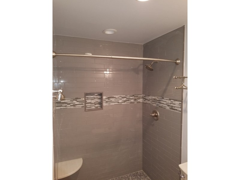 Monyette tiled shower