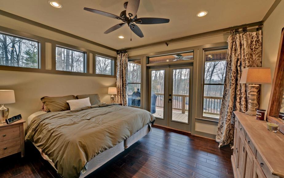 Lindy Lane Hartwell GA 30643-large-010-10-Master Bedroom-1500x938-72dpi