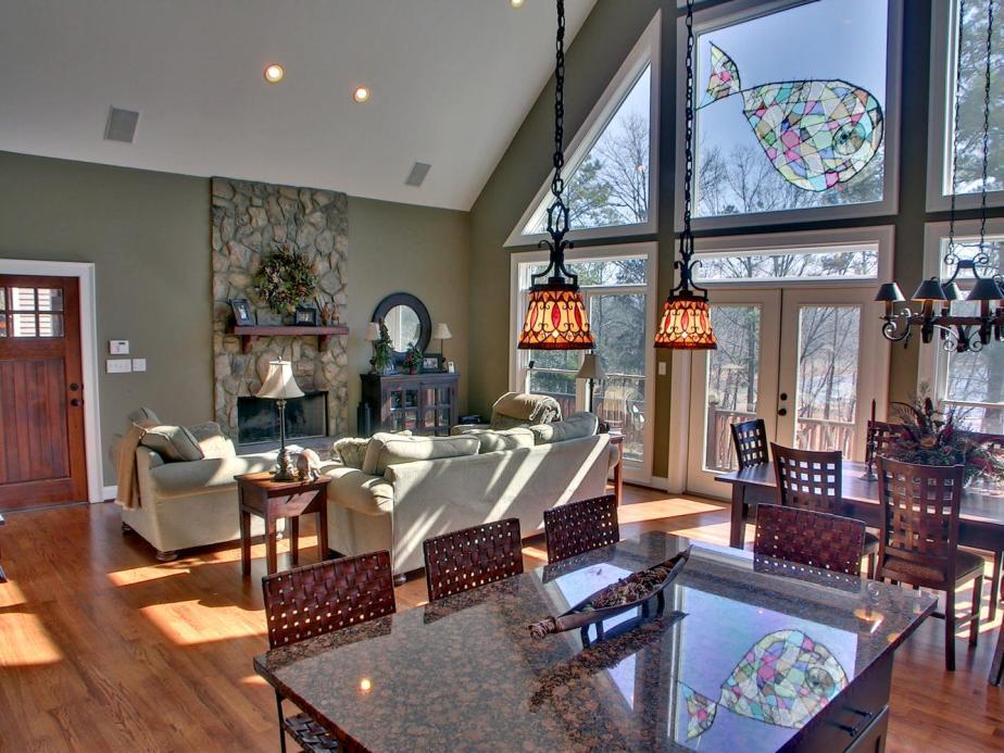 Portfolio 1 Hartwell GA 30643-large-003-3-Great Room-1333x1000-72dpi