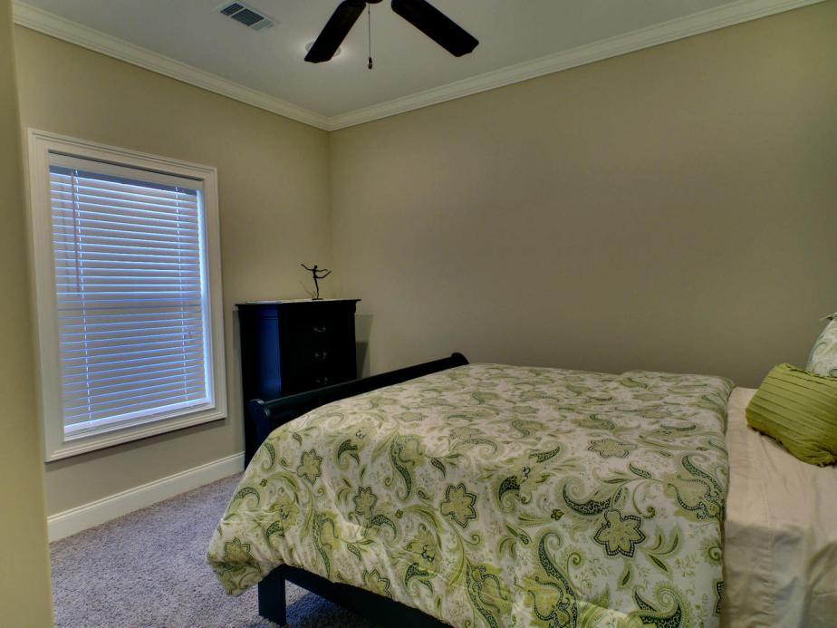 Portfolio 5-large-013-13-Bedroom-1333x1000-72dpi