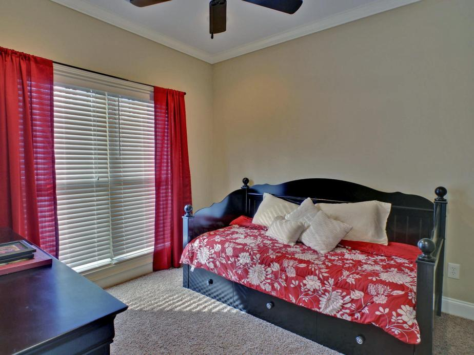 Portfolio 5-large-017-17-Bedroom-1333x1000-72dpi
