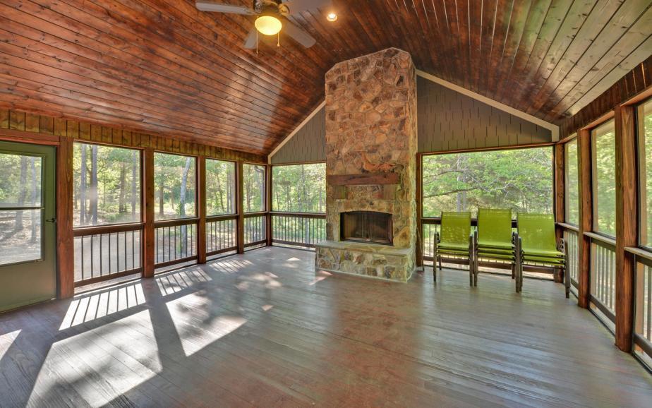 SIMONDS HOUSE-large-020-28-Screenedin Porch-1500x938-72dpi