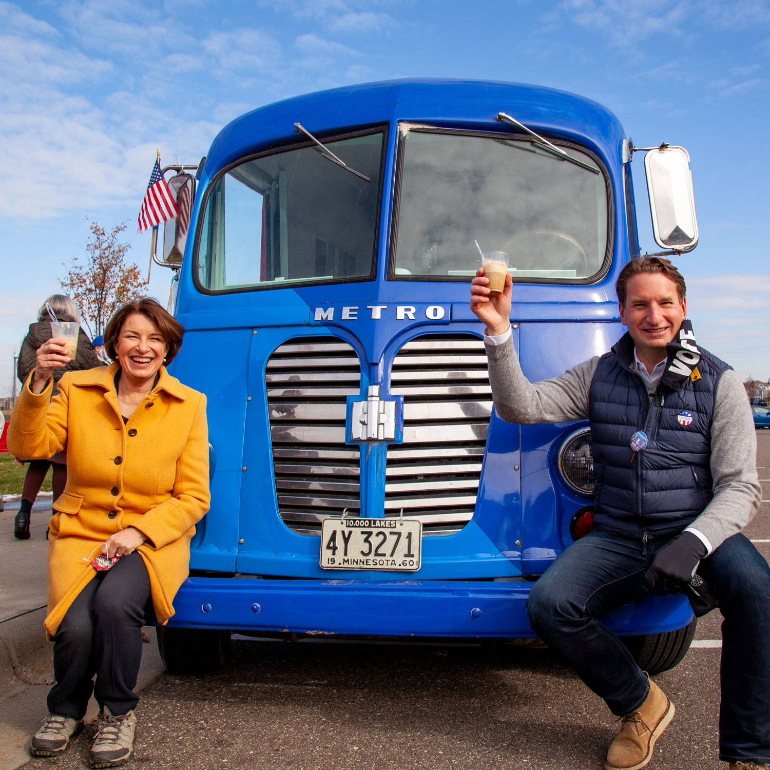 Dean and Amy Klobuchar enjoy rootbeer floats at a GOTV rally