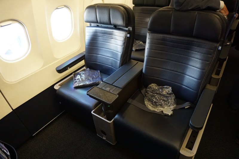 United First Class A320