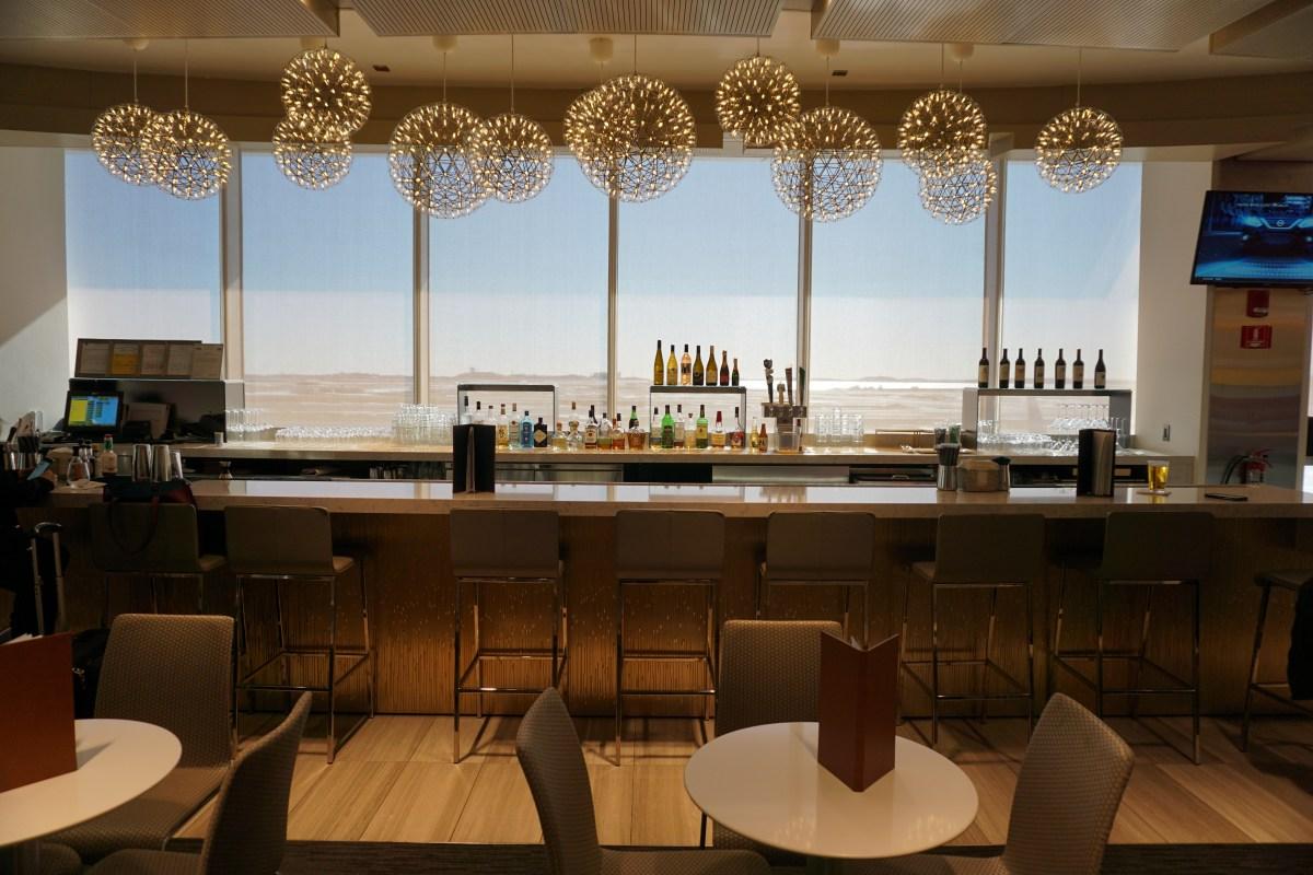 Review: United Club – Logan International Airport