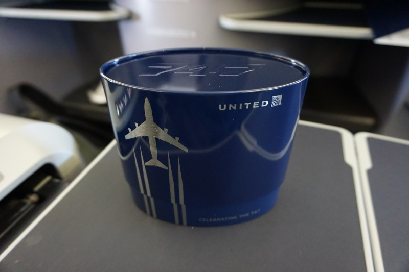United Airlines 777-200