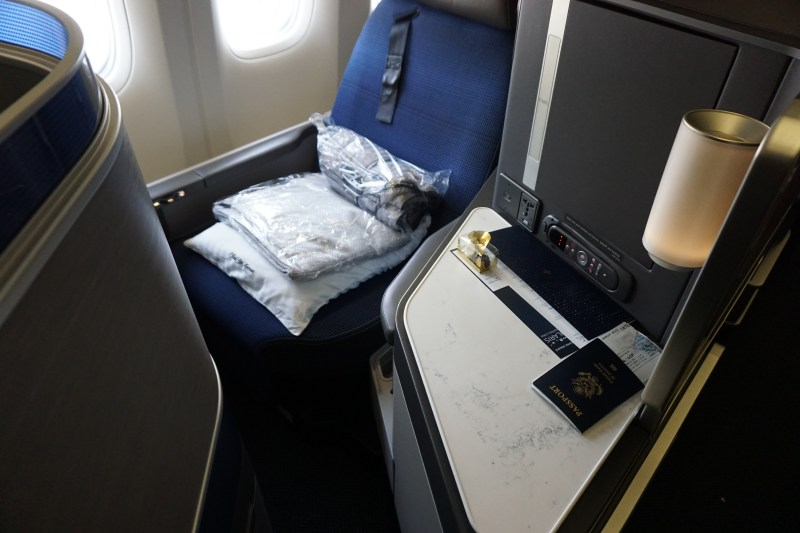 United Airlines 777-300 Business Class Seat