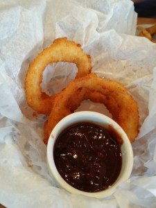Zinburger-onion-rings-with-BBQ-sauce