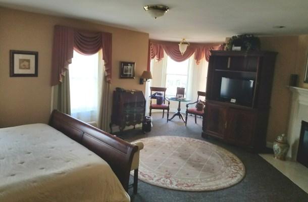 Doylestown Inn Guestroom
