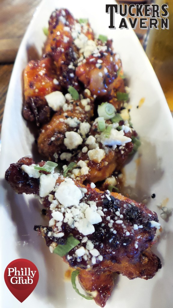 Tuckers Tavern Lacquered Wings