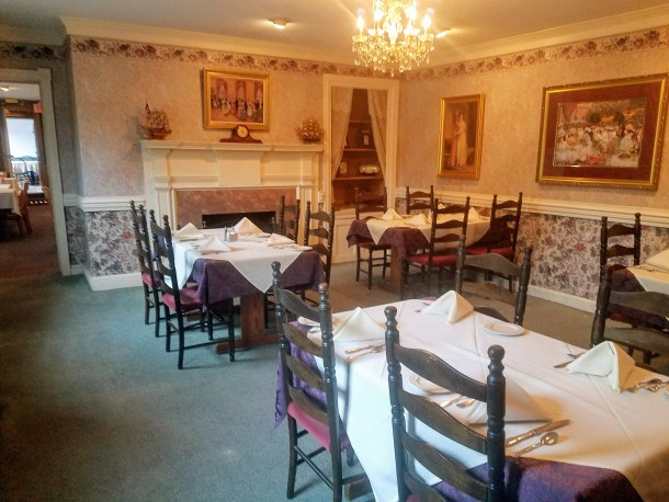 King George II Inn Bristol PA Dining Room