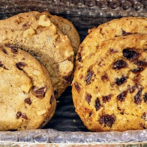 Get FREE Oatmeal Raisin Cookies from Famous 4th Street Cookies