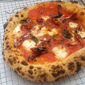 Chef Joe Cicala's Neapolitan  Pizzas are Popping Up
