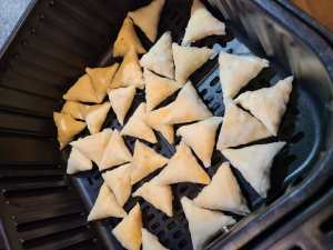 how to air fry mini samosas
