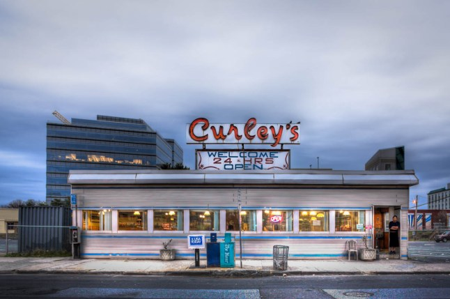 Curley's Diner - AA678