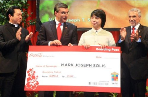 Solis bagged US$1,000 dollars and round trips tickets to Brazil and Chile for winning the photo contest organized by Chilean Ambassador to Manila Roberto Mayorga and his team.