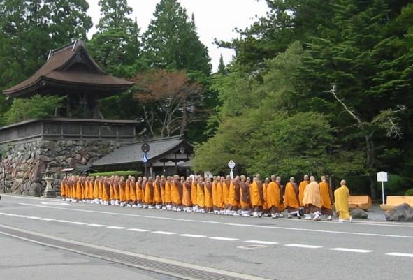 Mt_Koya_monks