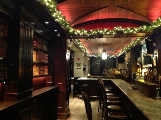 cozy-bar-and-restaurant
