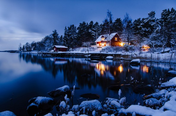 stockholm-sweden-house-forest-trees-water-reflection-snow-winter-evening-night