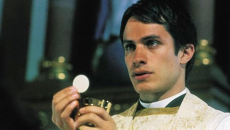 Father Amaro communion