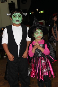 Best costume,Christina and Isabel