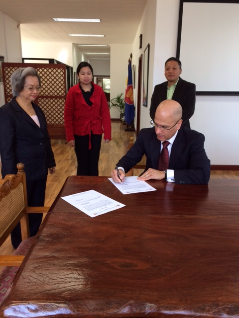 Newly-appointed Honorary Consul Felix Pintado