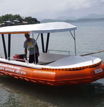 2 Rescue Boats donated to Small Fisherman Folks of Bayas & Manipulon Islands, Estancia, Iloilo