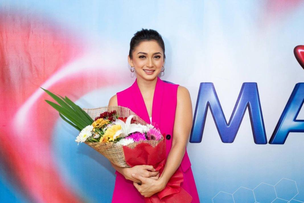 Iya Villania at the contract signing with GMA Network on 22 October 2019