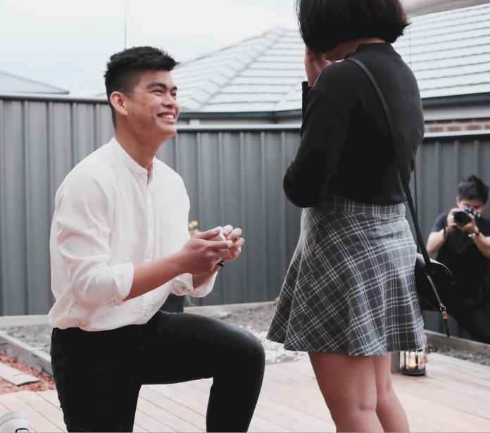Marc Ordonez proposes to his fiancee
