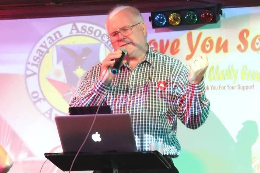 Alan Green, the Singing Senator