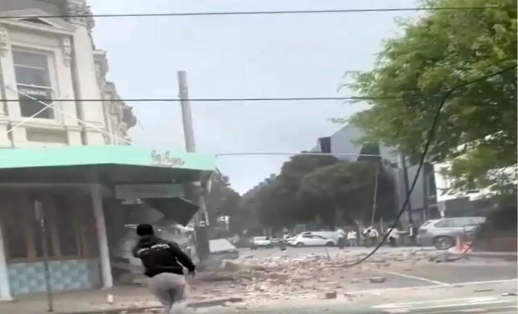 Earthquake scene in Chapel Street Melbourne | CREDIT: www.theglobalharvest.com