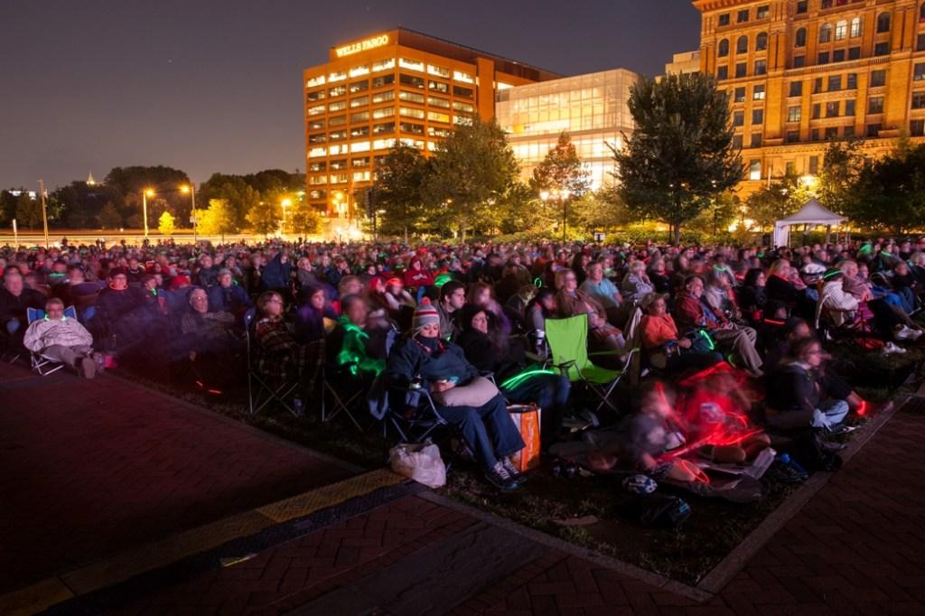 "Audience at Opera Philadelphia's ""Opera on the Mall"" (Photo credit: Dominic M. Mercier)"