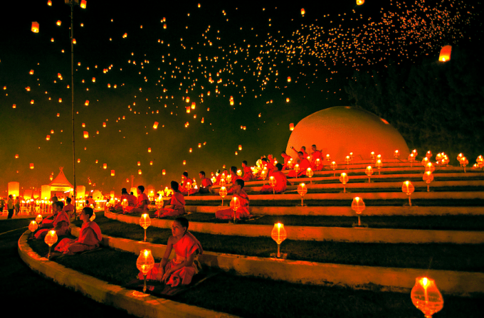 YeePeng Festival ChiangMai Thailand by chattakan kosol