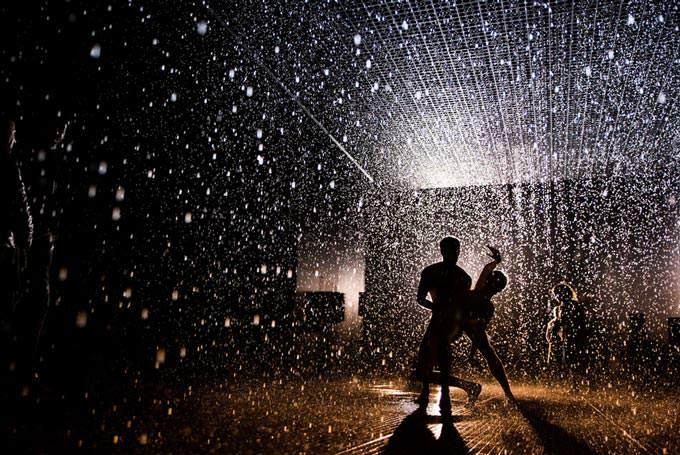 Rain-Room-0845 by barbicancentre