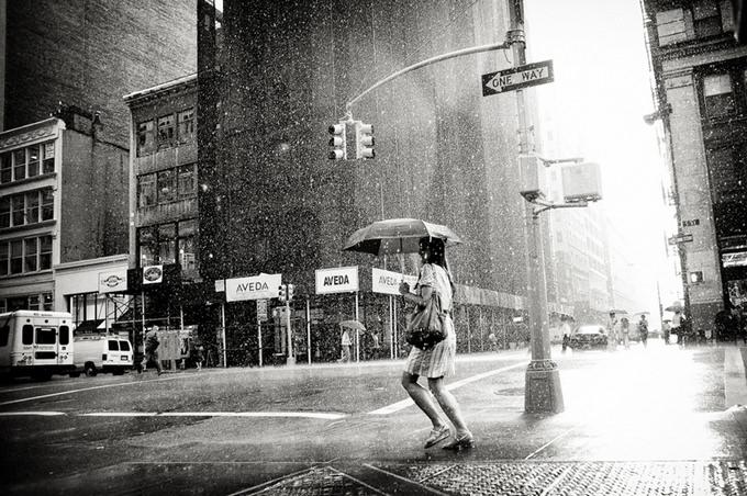 Rain on 5th Avenue by Luke Bhothipiti
