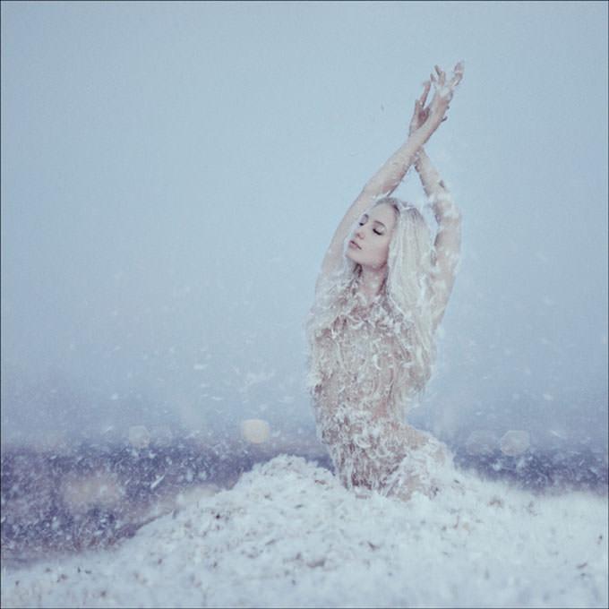 White Swan by aleksandra aleks