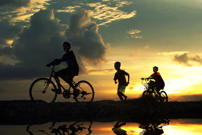 Sunset Bike by 3 Joko