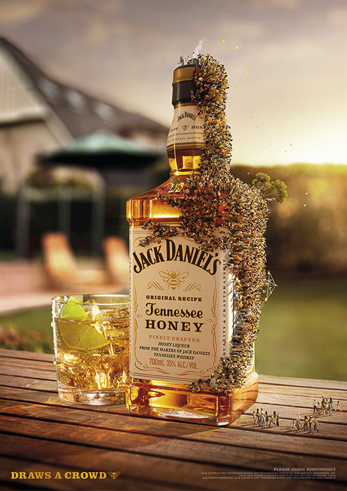 Jack Daniels Draws a Crowd by The Incredible Picture Machine _