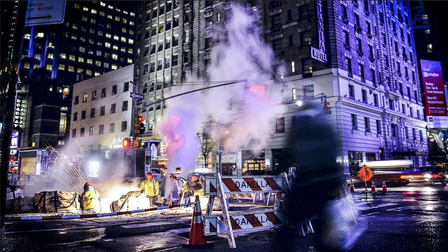 Busy New York by Julián Espinosa