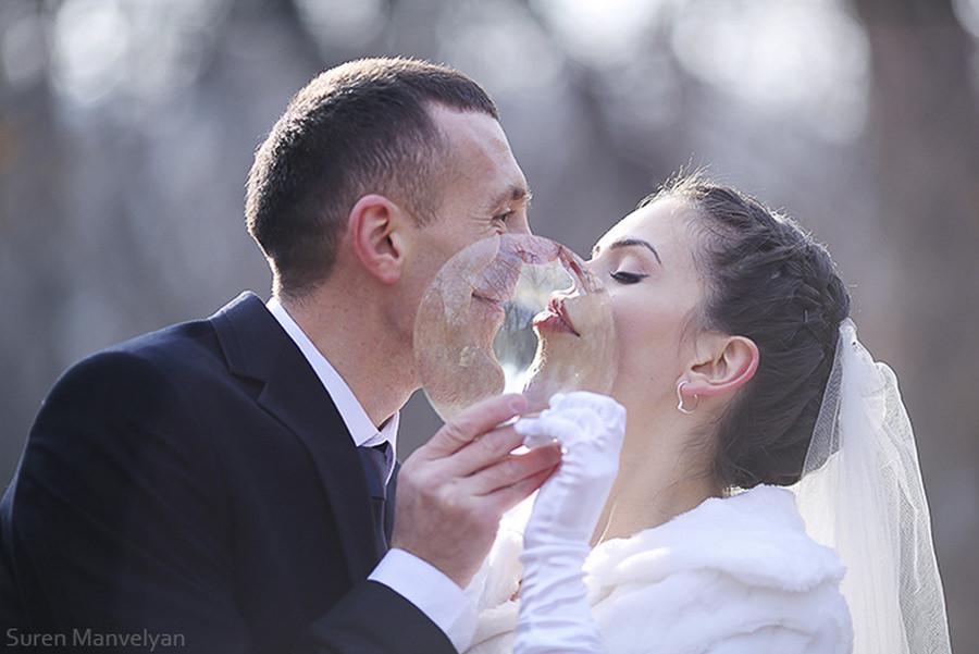 Anatomy of a Kiss by Suren Manvelyan
