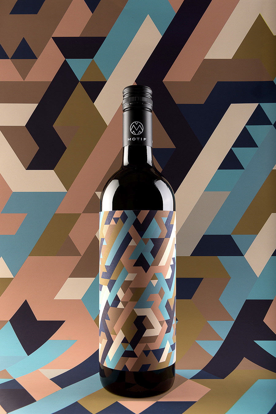 MOTIF Fine Art Wine by Stefan Leitner, Kristina Bartosova, and EN GARDE_