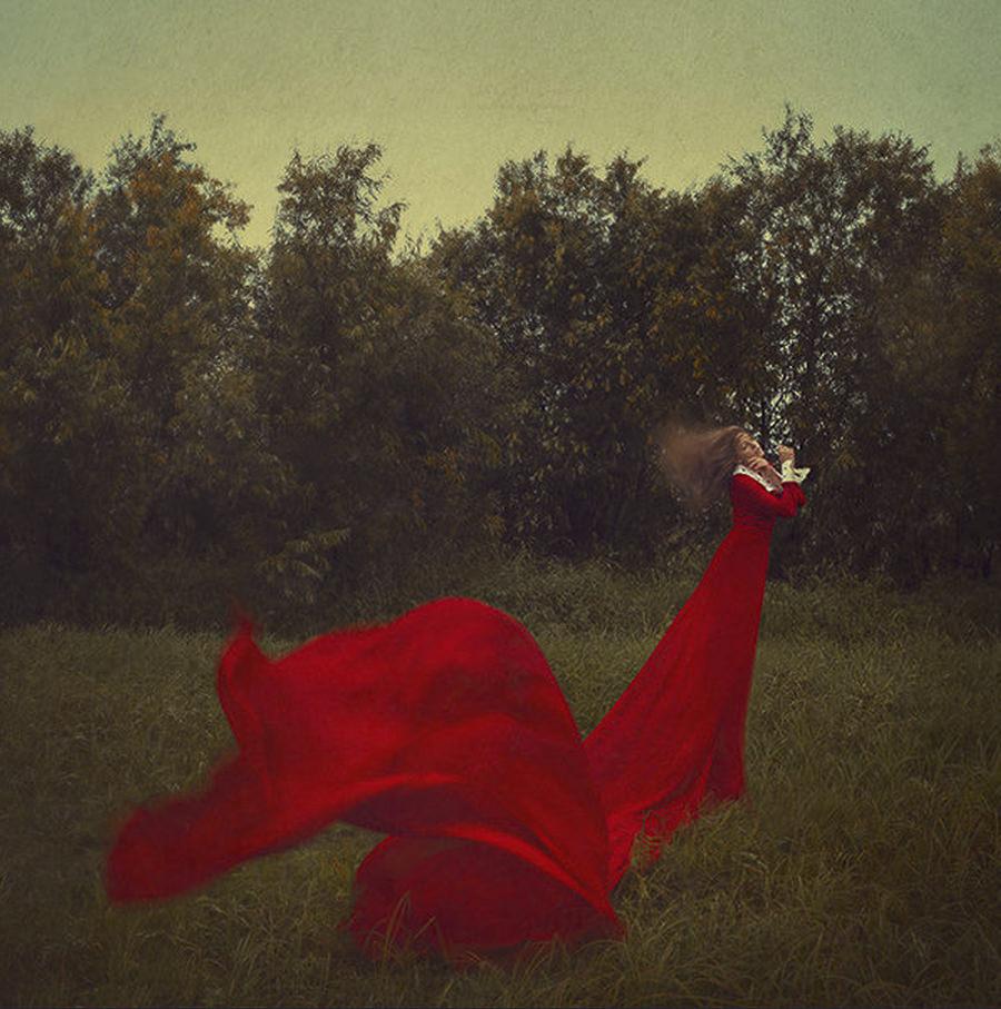 travelling red by Mari Nino