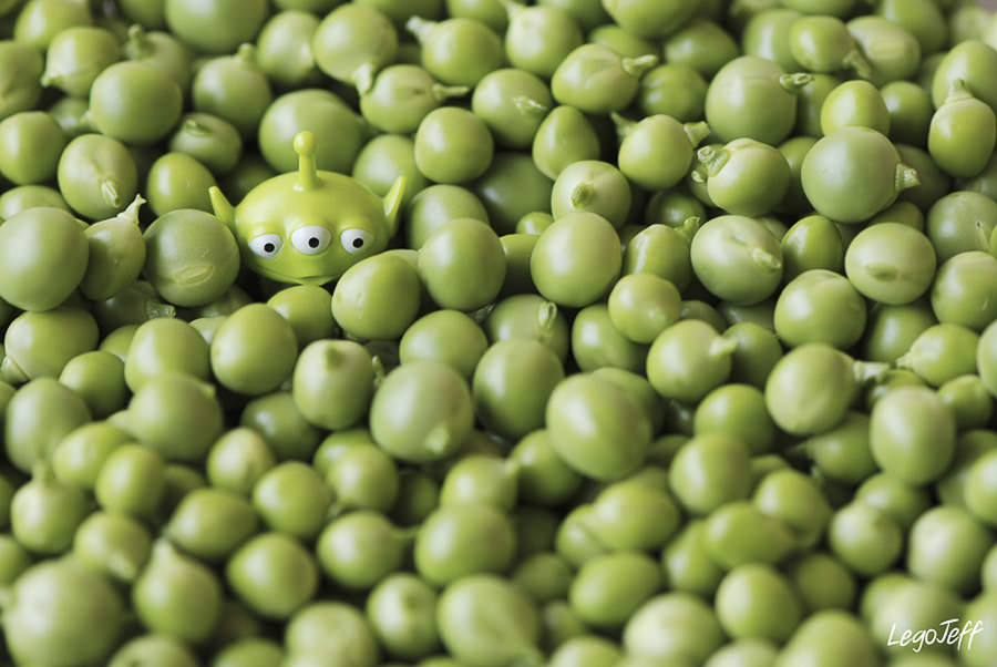 The White Eyed Peas by legojeff