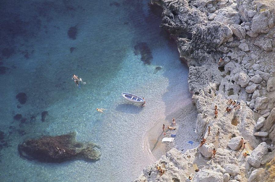 Tiny, Gorgeous Beach by AntyDiluvian