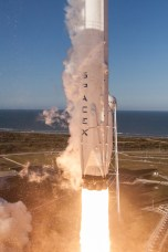 Lift off for Falcon 9 SES-10.
