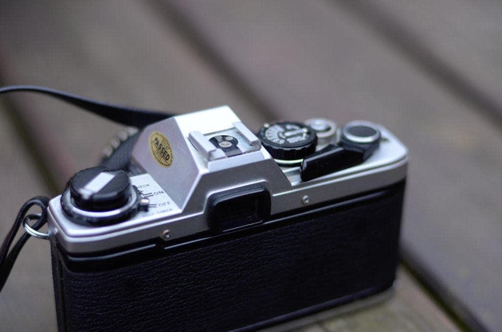olympus om 10 film rear