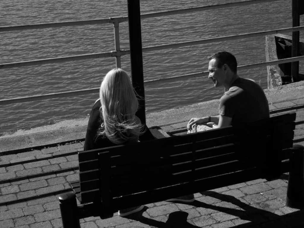 couple on brayford waterfront