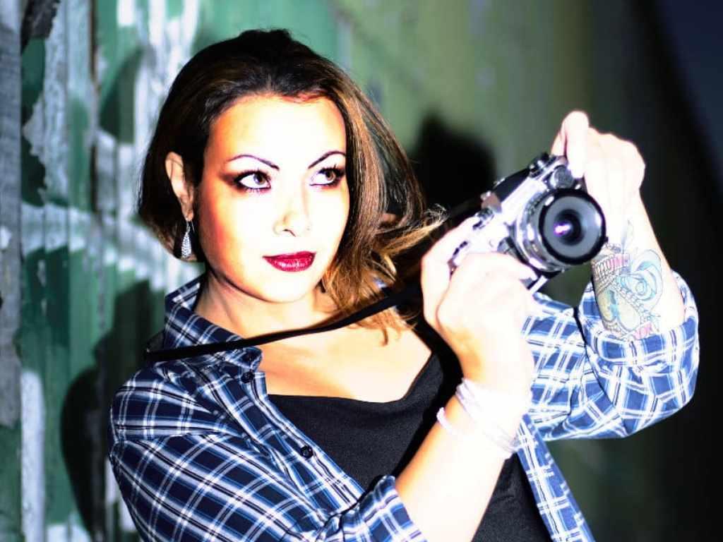 Grunge model shoot at night (Crystal Gomez)