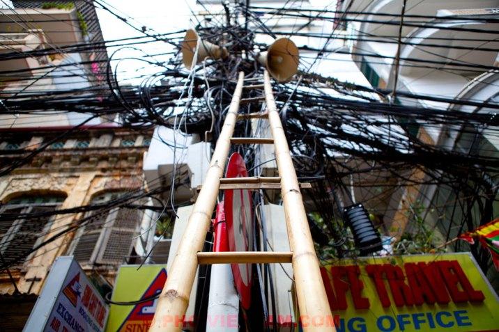 Elektriciteit in Hanoi (foto: Pho Vietnam © Kim Le Cao)
